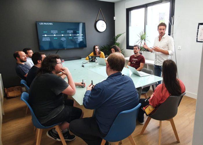 salle de réunion visioconférence abbeal chez coworking bigfive