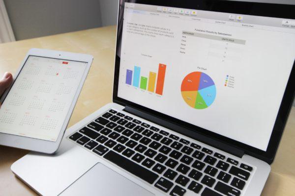 ordinateur marketing digital